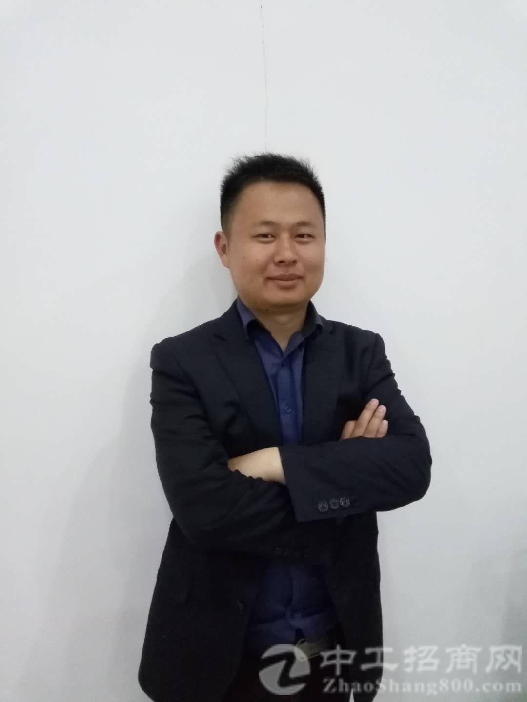 厂房经纪人黄敬平