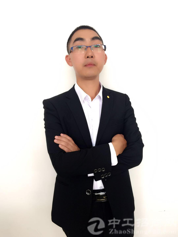 厂房经纪人甘文波