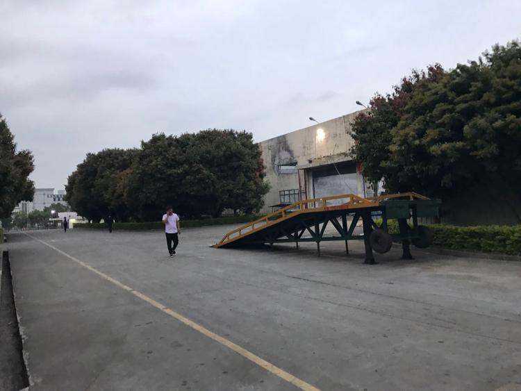 凤岗镇10米高标准一层厂房4万平方米出租