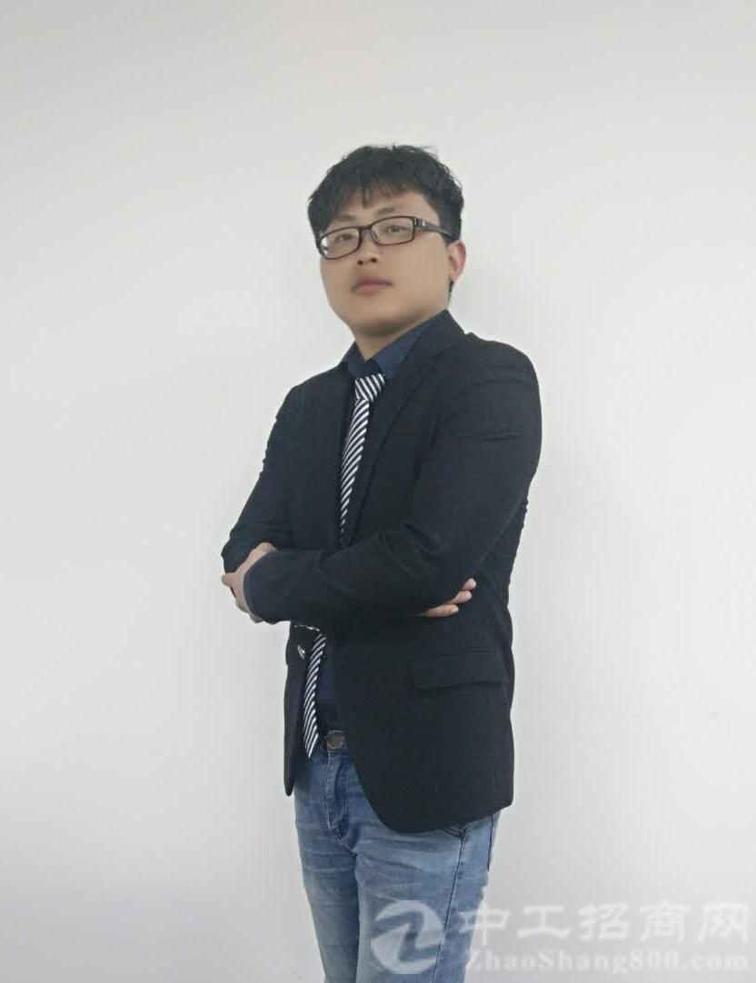 厂房经纪人邓鑫龙