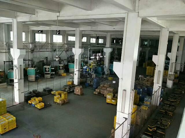 坪山高速路出新出高8米钢构厂房2800平,电630