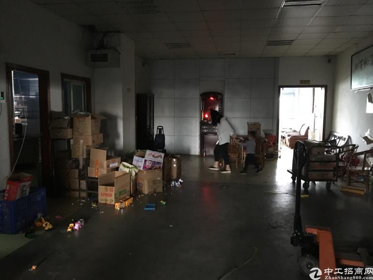 公明南光高速出口5楼1350平方带装修厂房面积