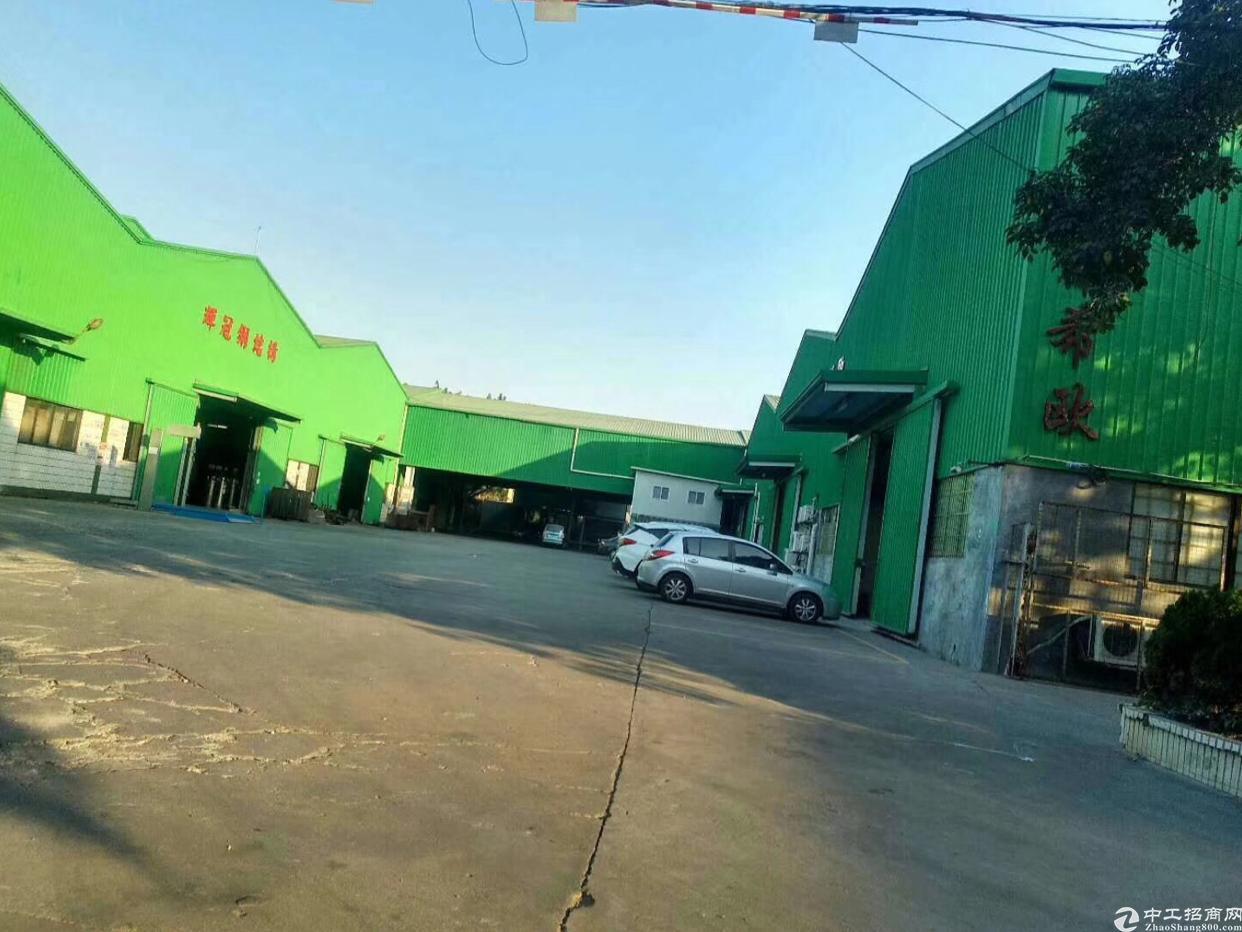 清溪镇超值单一层厂房来了位于清溪镇中心区主干道附近