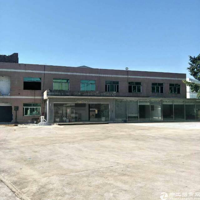 东部快线边上原房东8成新独院标准两层厂房带现成水电线路和办公