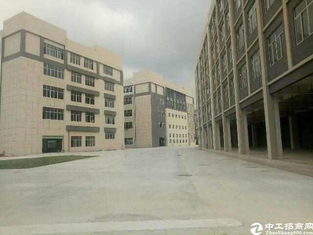 平湖华南边上新出12800平方独院厂房招租