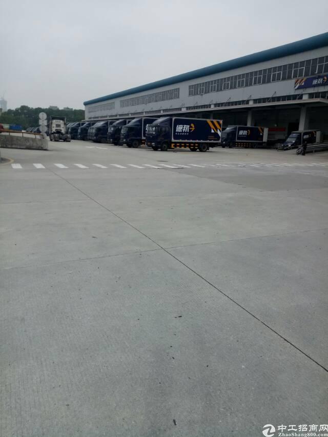 平湖机菏高速出口物流园10000平方米钢构仓库招租