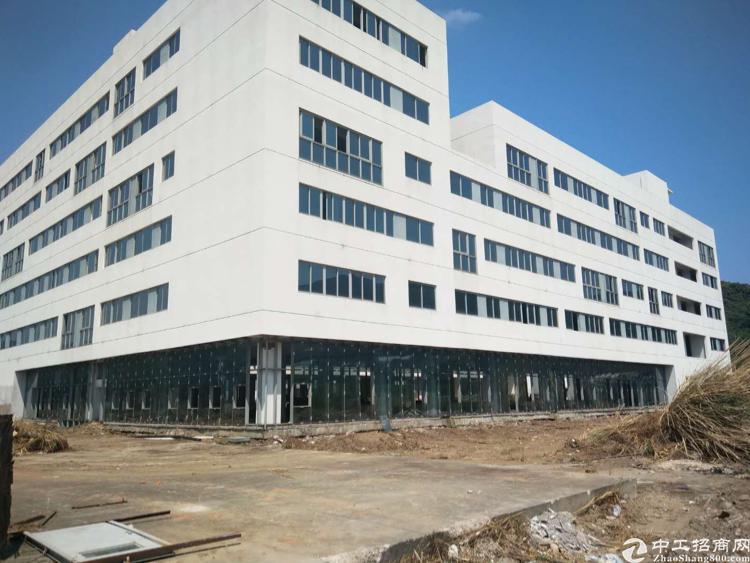 深圳龙岗坪山,适合做医院学校的厂房!年限15年