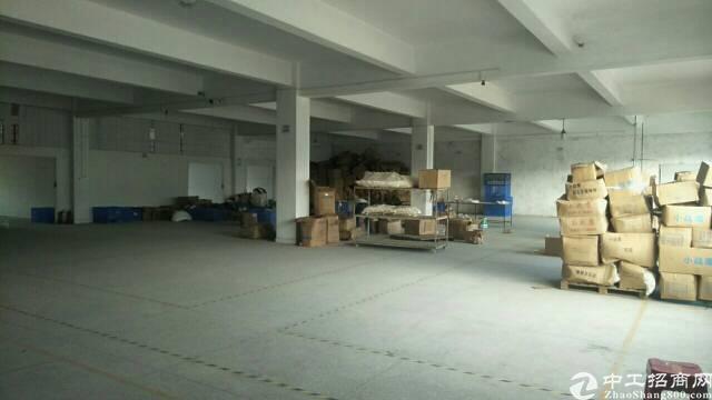 大岭山镇低价二楼2000方13元出租有简单装修