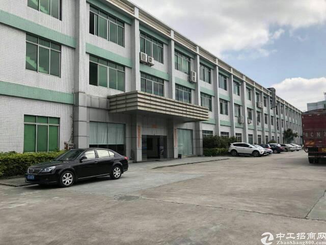 环莞快速路边形象漂亮一楼厂房7000平米,可分租