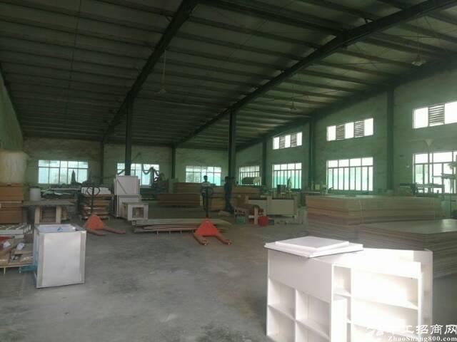 东城牛山工业园分租一楼钢构厂房