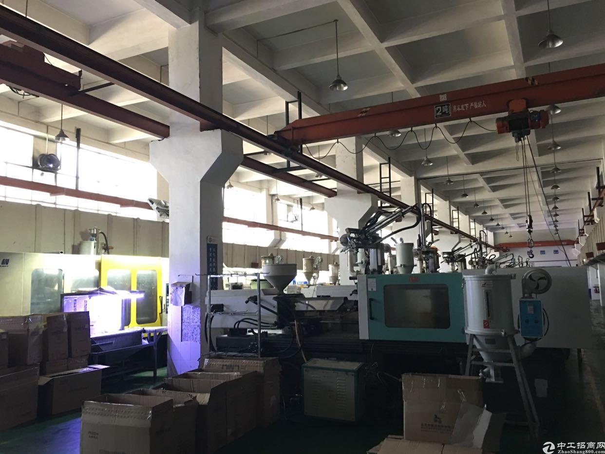 东莞清溪靠塘厦博深高速出口处一楼3700平米标准厂房带航车