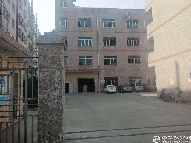 龙岗南联地铁站500米厂房一楼1400平出租