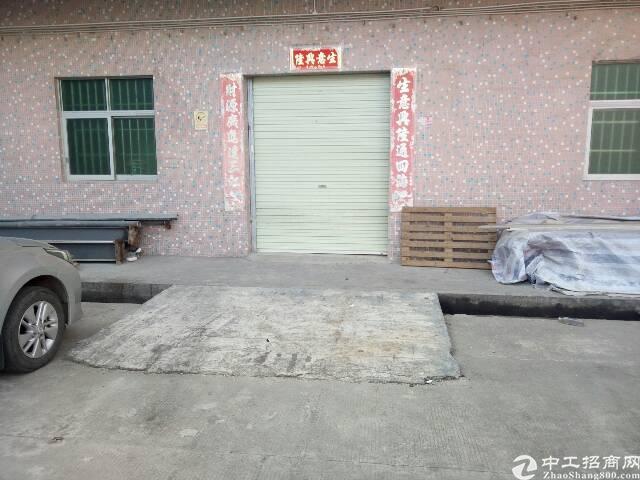 平湖新木一楼300平米小仓库招租!