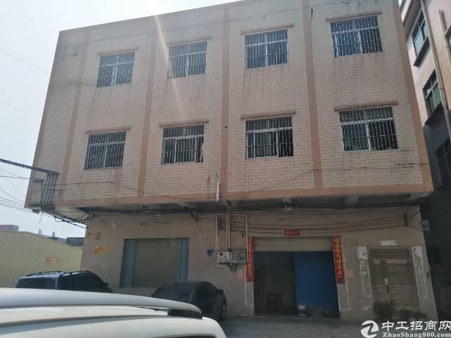 大岭山大沙村独栋三层1850平方厂房出租,有货梯