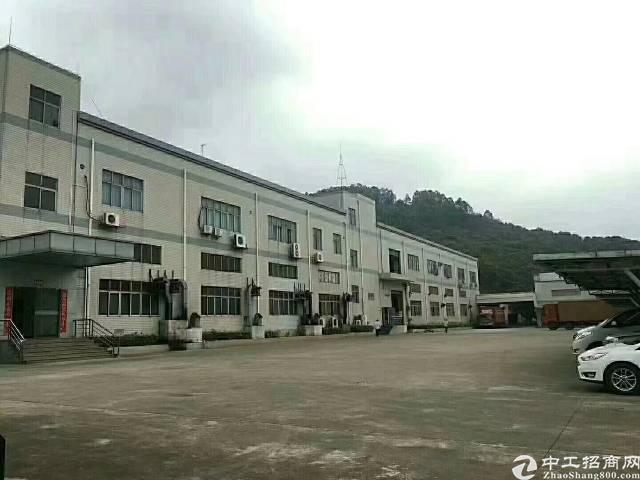 沙井新村沿房东厂房一到两层6000平方出租。