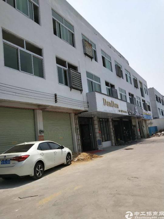虎门镇新出二三楼厂房面积2000平方,租金12块