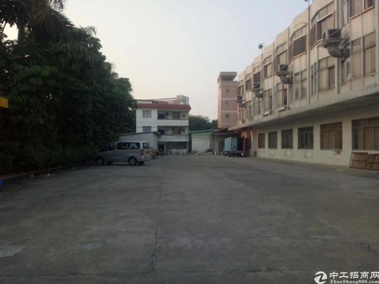 万江新出厂房1-3层4000平米出租