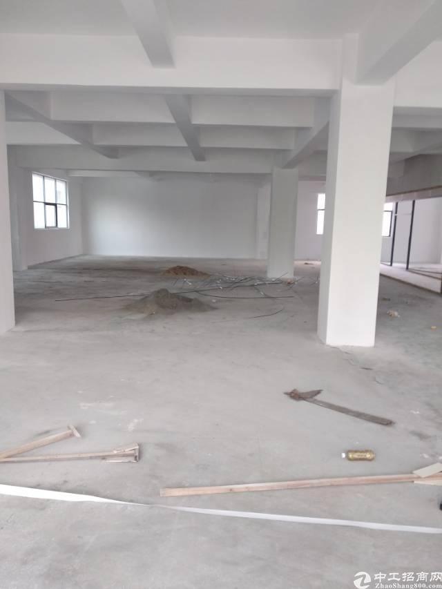 西乡固戍楼上520平方厂房出租-图2