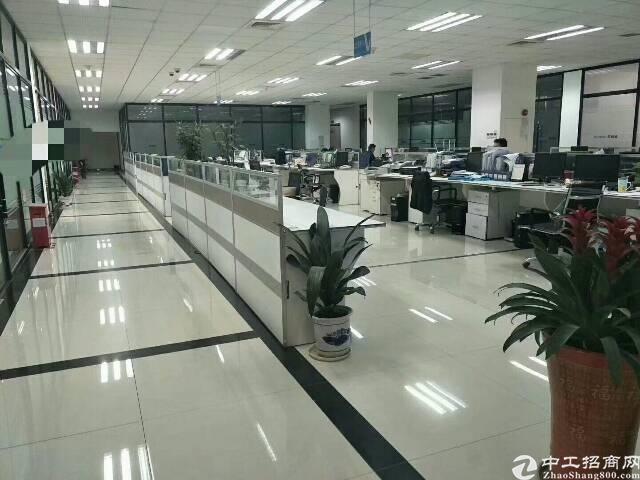 福永宝安大道装修厂房2500平,免转让费