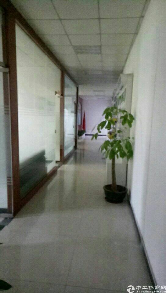 平湖平湖带办公室三楼厂房260平米出租!