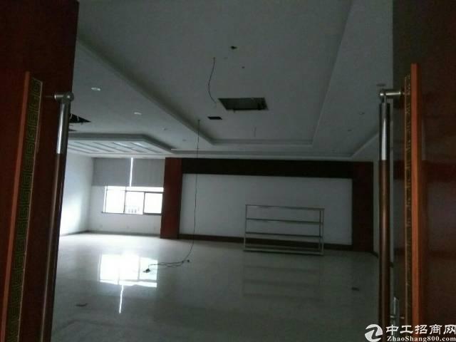龙岗新出厂房改商业写字楼招租230平大小分租带装修