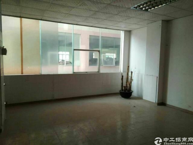 坑梓独院厂房分租三楼800平方,带办公室