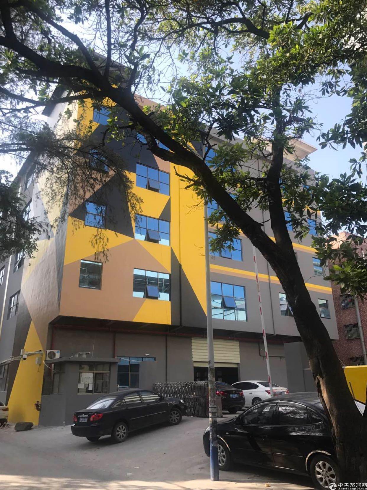 西乡固戍宝安大道边楼上1000平米厂房出租带装修大小可分租