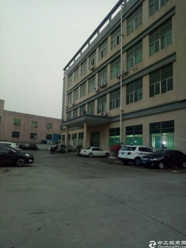 平湖清平高速出口带红本独门独院12000平方米厂房招租