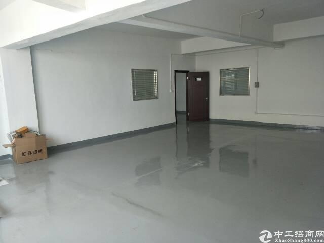 福永凤凰楼上400平米精装修厂房出租