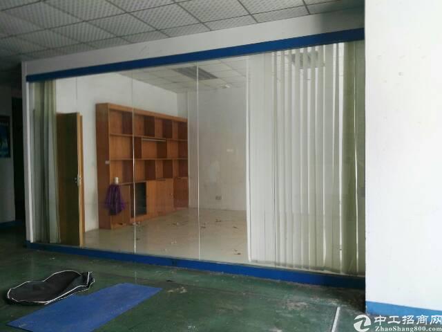 乌沙大润发附近二楼空出960平精装修办公室厂房