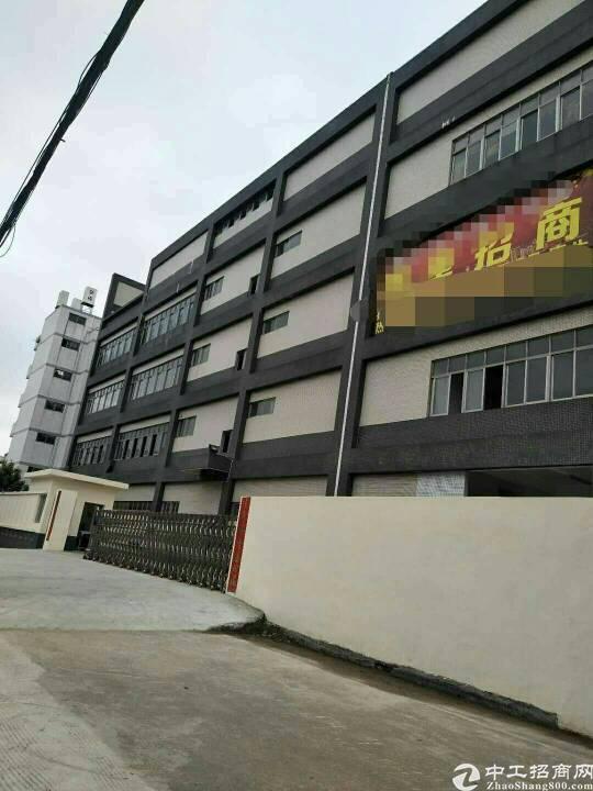 坪山新区2楼带吊顶厂房2200平13元租