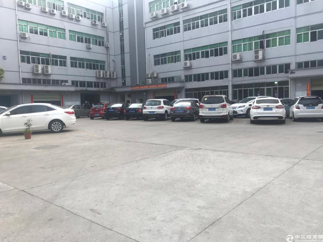 龙华大浪行政中心附近原房东厂房出租1楼980平带牛头角阁楼