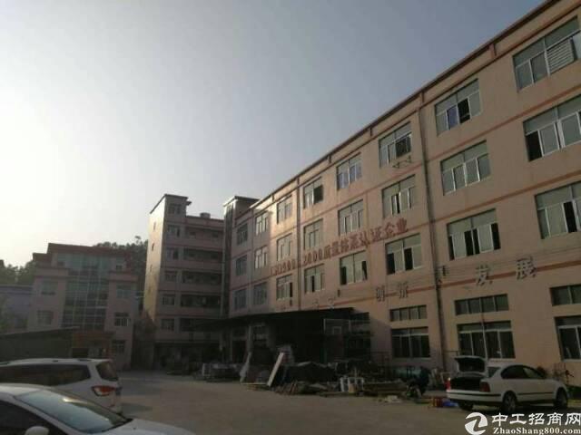 布吉秀峰工业区一楼1800平出租高度6米
