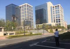 开发商自建红本写字楼出租可包租建筑面积16万平方米合同15年