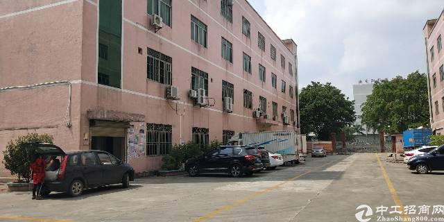 龙岗红本厂房两栋约9000平出售房东实在好沟通