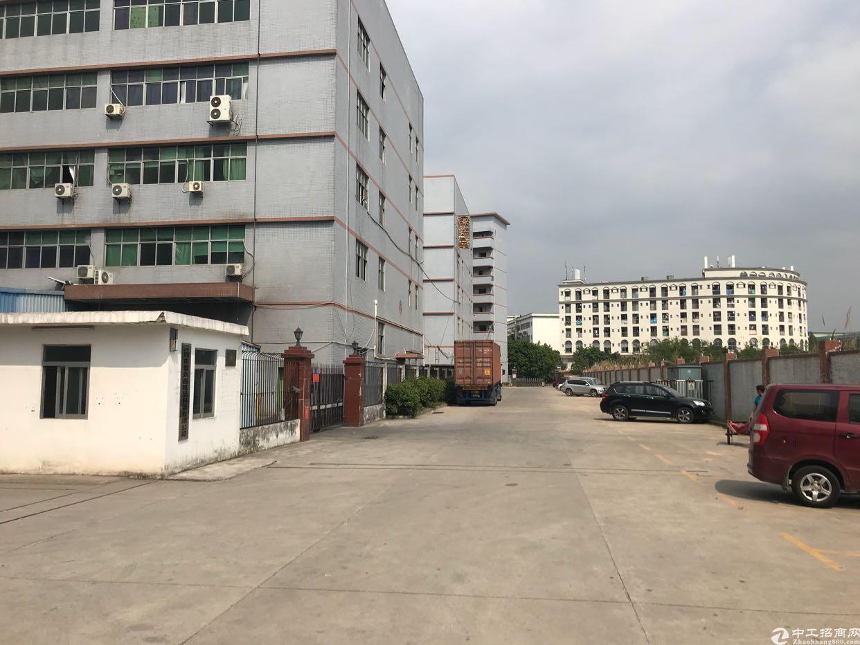 公明楼村龙大高速出口附近二楼2000平带装修厂房出租