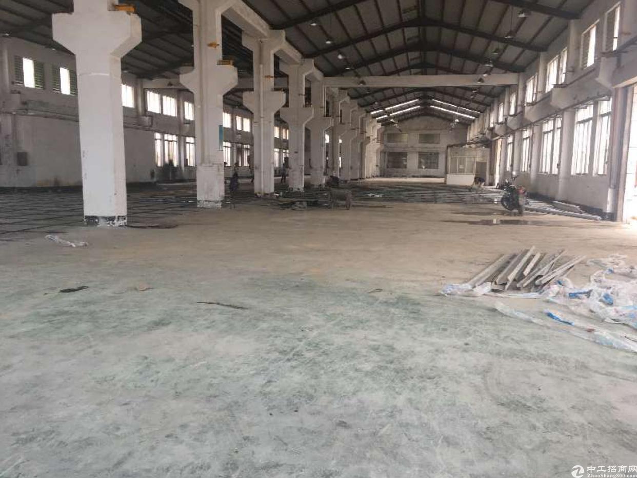东莞清溪靠凤岗4000平米重工业钢构厂房出租