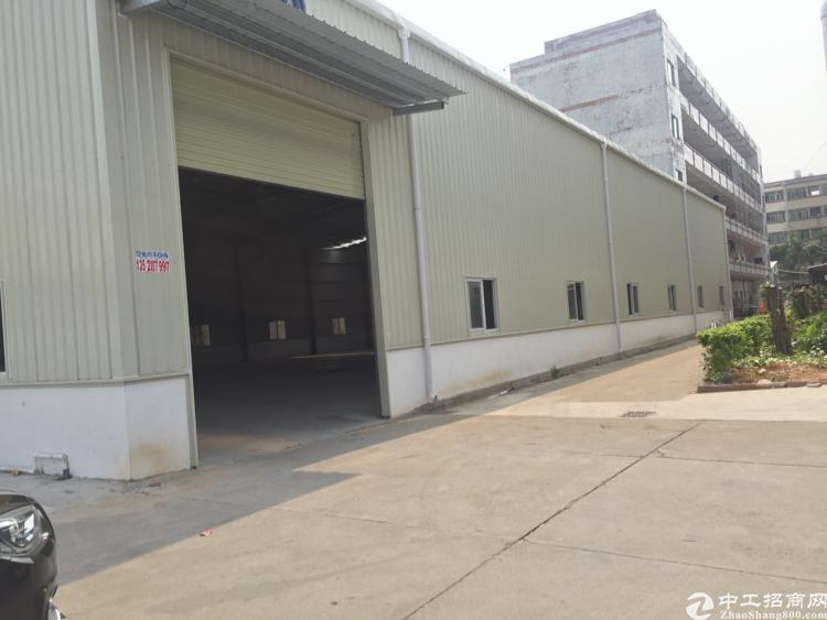 东莞清溪银湖工业园全新一楼1480平,滴水8米,空地大