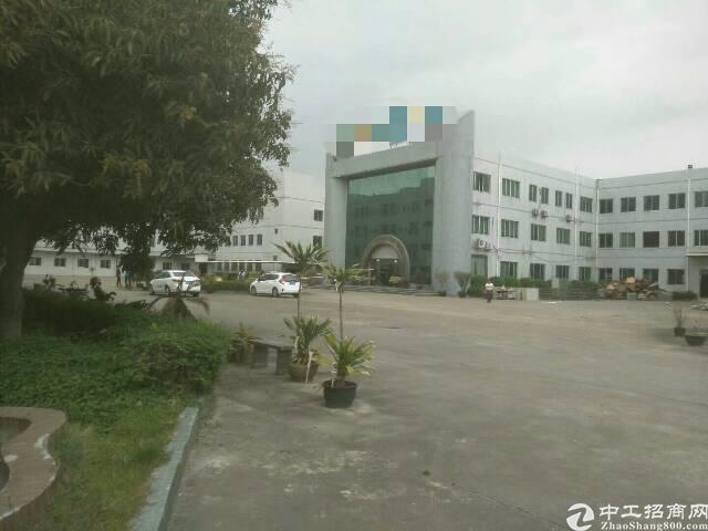 常平镇带国土证新出一栋标准厂房三层4000。