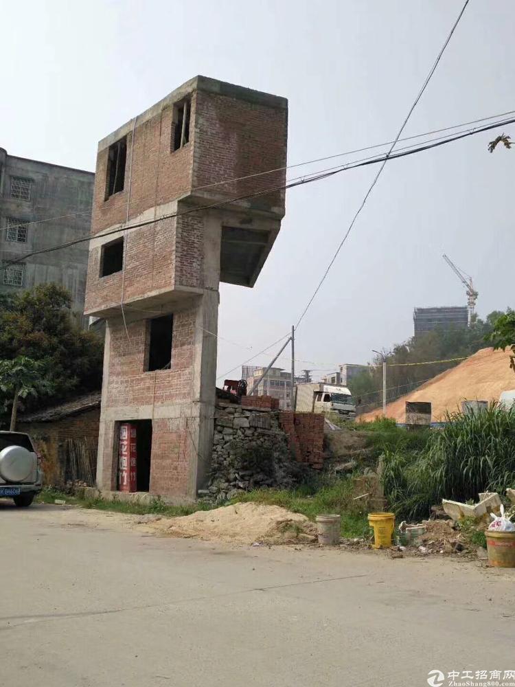 红本独栋四层厂房200平米有电梯滴水面积出租