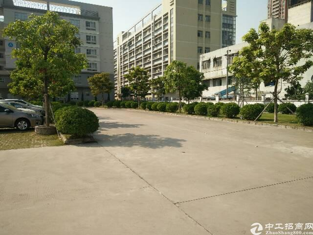 公明高新区新出楼上整层3000平米出租