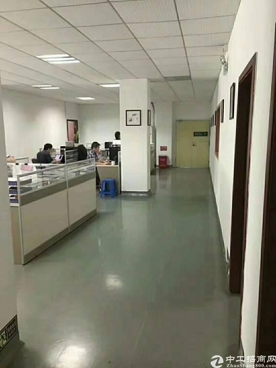 公明新出楼上900平米带装修办公室厂房出租