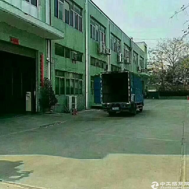 燕川三层独门独院带行车