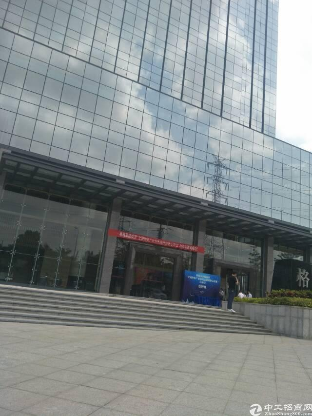 光明新区公明镇中心政府重点开发高新区甲级写字楼30000平方