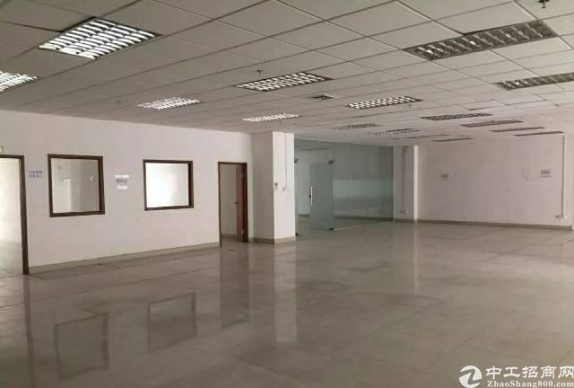 福永楼上2500平带装修厂房出租