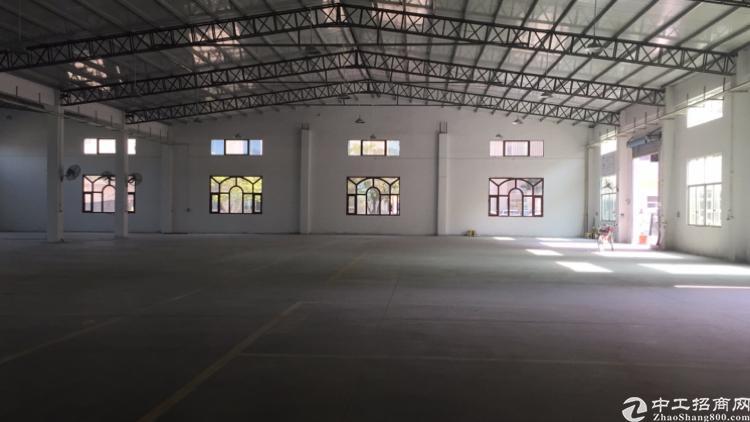 龙岗坪地中心村独栋6500平钢构厂房带装修宿舍