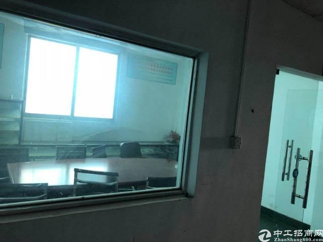 宝安大道福永地铁口二楼2200平带装修
