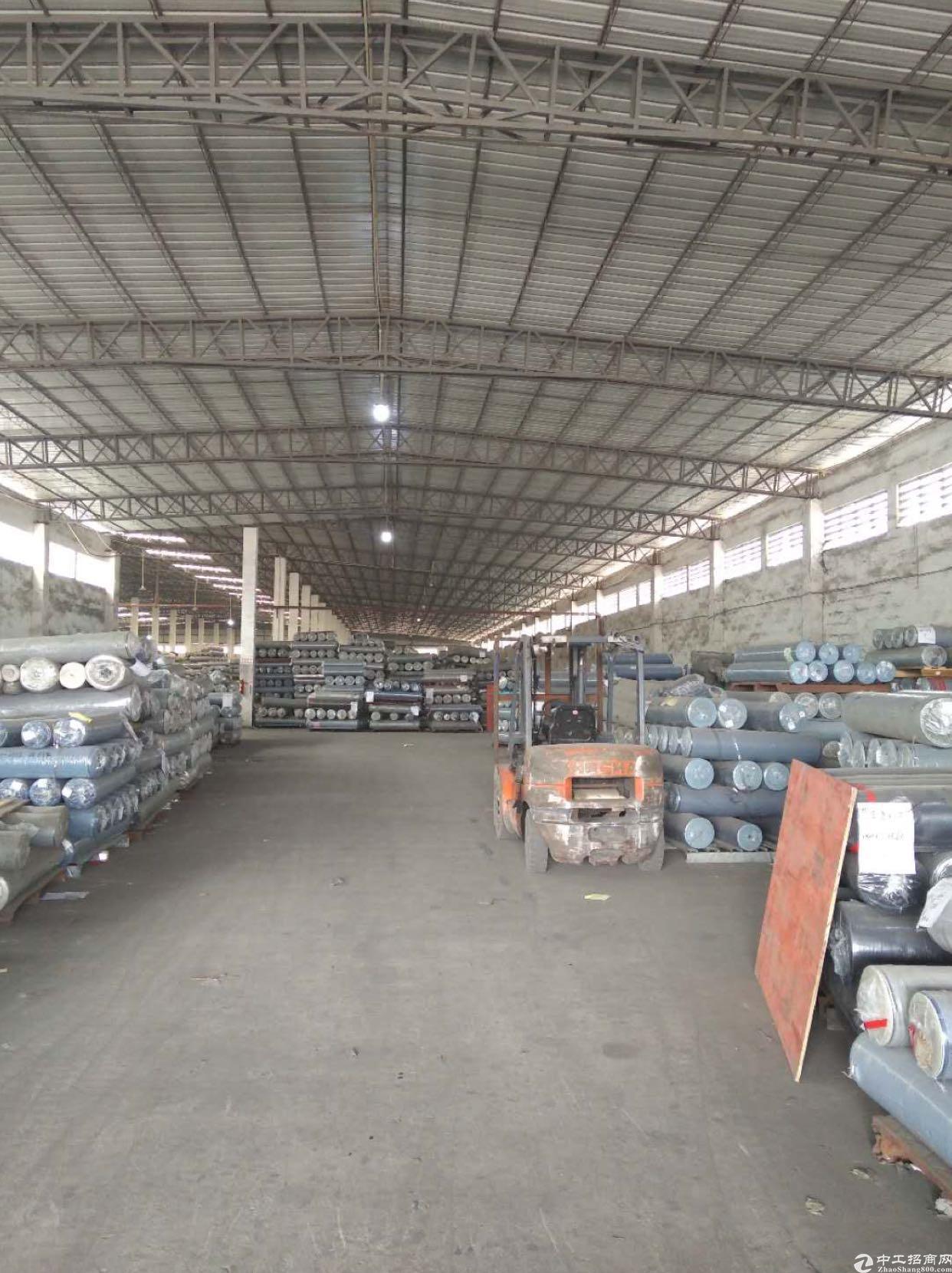 单一层钢构厂房出租