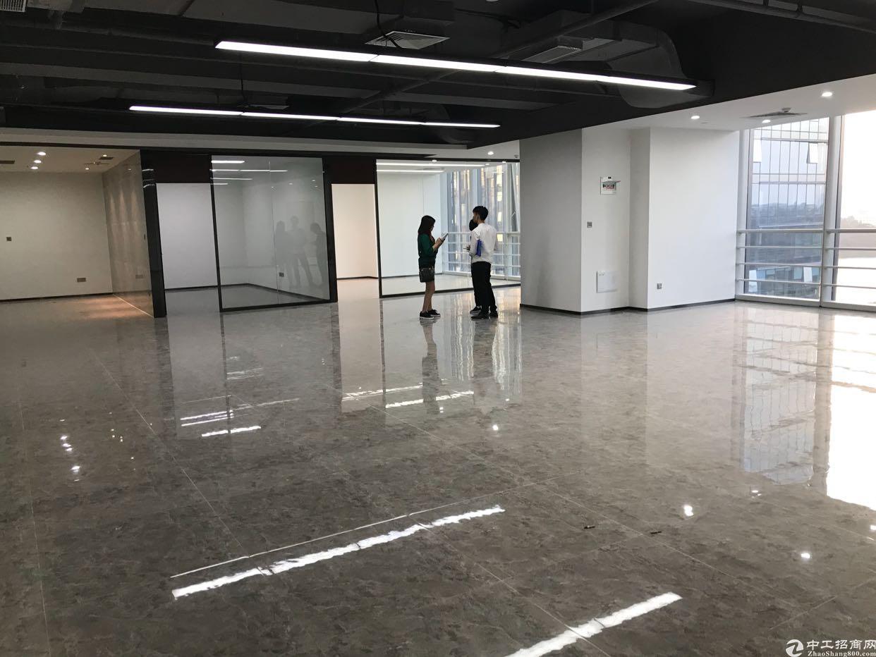 龙华民治新出楼上800平带装修厂房招租可分租
