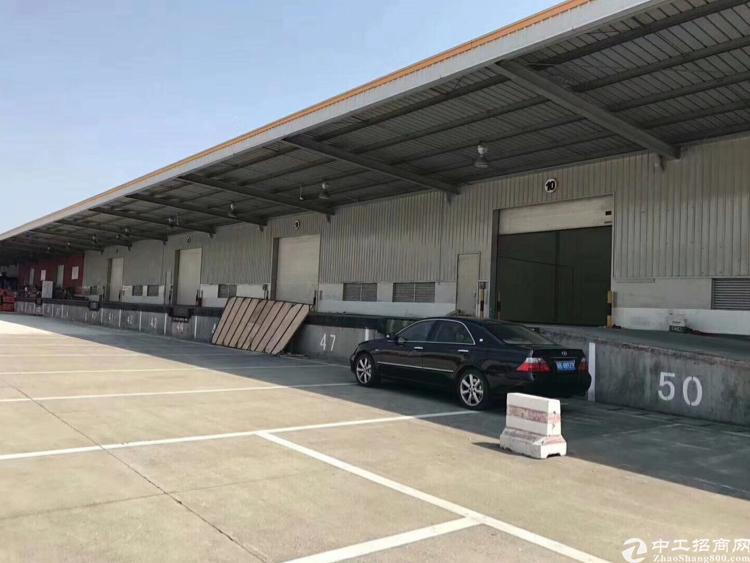 坂田新出物流仓储8000平米厂房出租